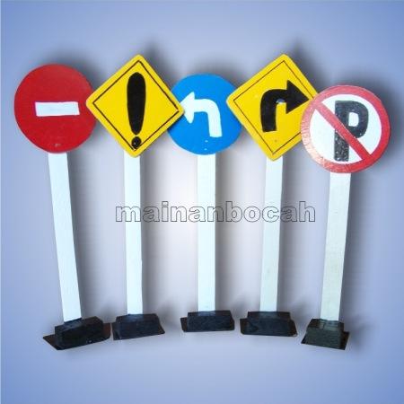 peraga rambu lalu lintas