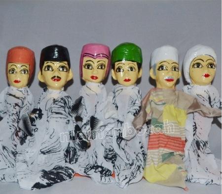 mainan edukataif - boneka tangan - keluarga muslim